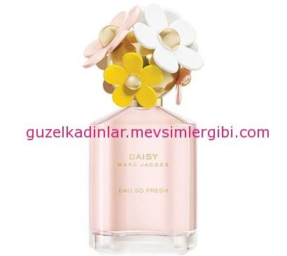 Marc Jacobs yaza uygun çiçeksi parfümler