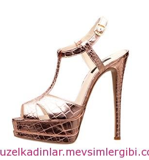 inci deri stiletto ayakkabı fiyatı 312 lira