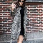 Katie Holmes Cruise stili tarzı kıyafetleri trençkot modelleri 2011