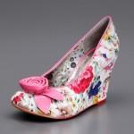 çiçekli ayakkabılar
