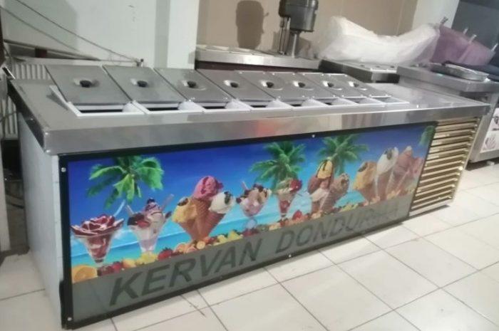 uğur marka 8 gözlü sulu salamura dondurma Reyonu